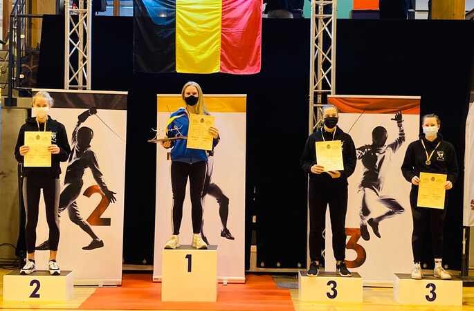 Marie Van Peteghem (6OMC) wint voor de derde keer goud op het BK Sabel