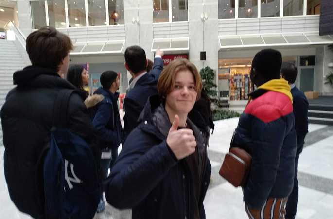De leerlingen van 5MO en 5AIT brengen een bedrijfsbezoek aan Proximus en bezoeken Brussel