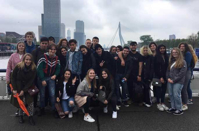 De vijfdes bezoeken Rotterdam