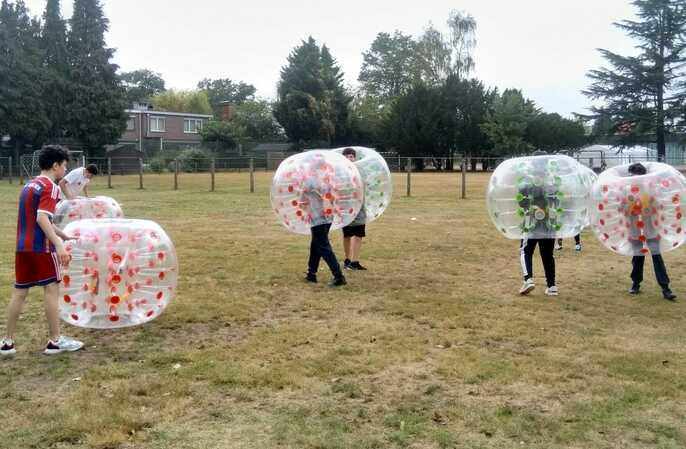 Een sportdag in bubbels